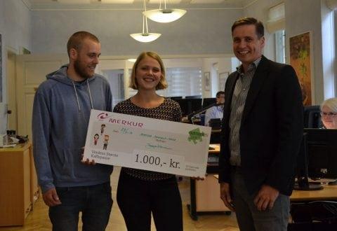 Matea, Mikkel & Jesper Kromann med stor check