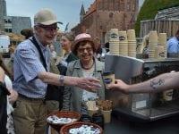 Nells serberede masser af fairtrade kaffe