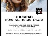 Modeshow hos N By NIELSEN