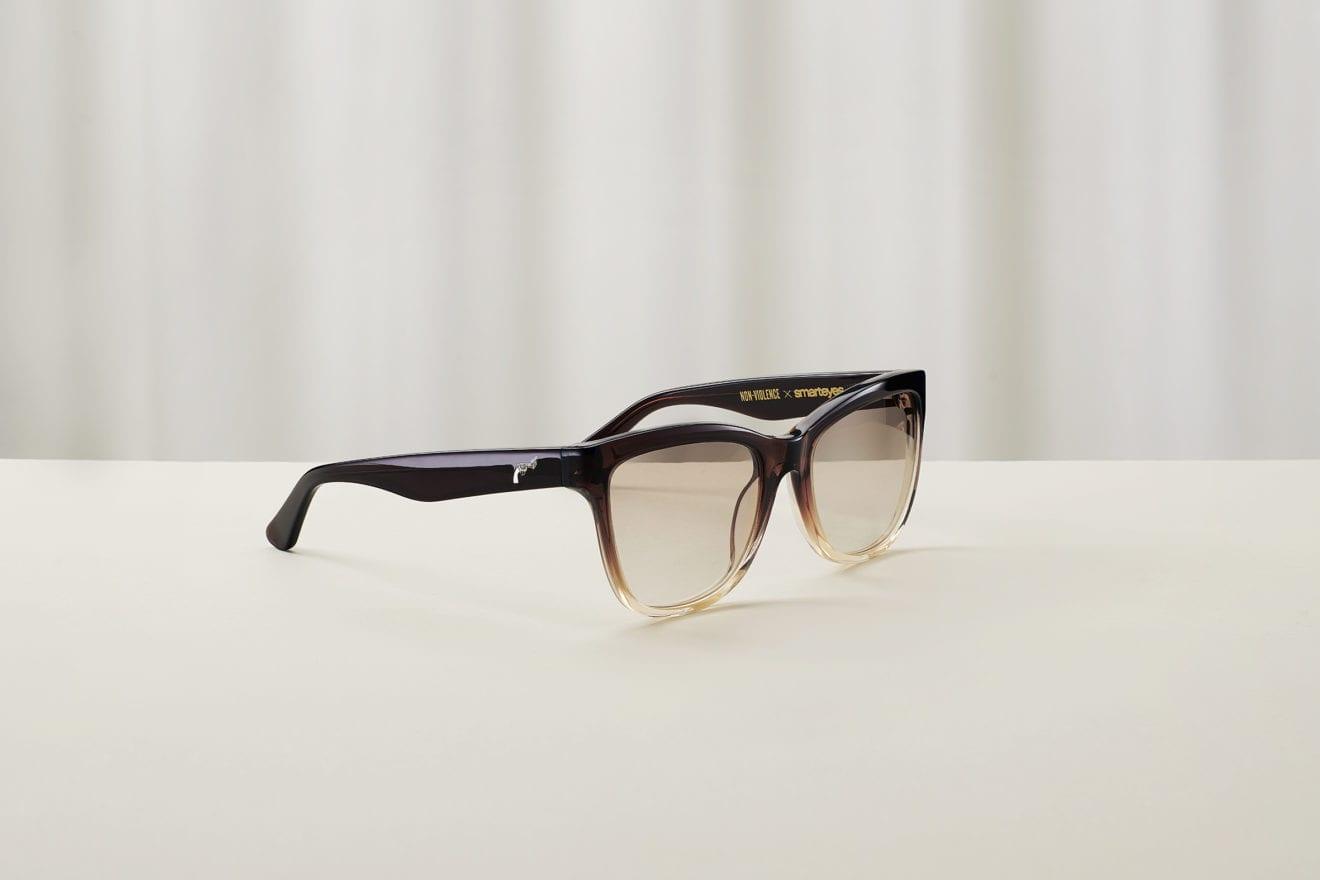 Iklæd dig det seneste nye inden for brillemoden og tag et standpunkt mod vold
