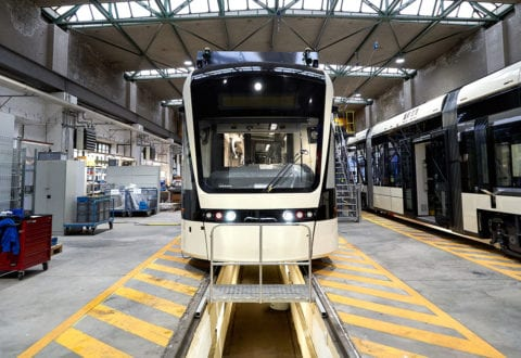 Odense Letbane modtager første tog