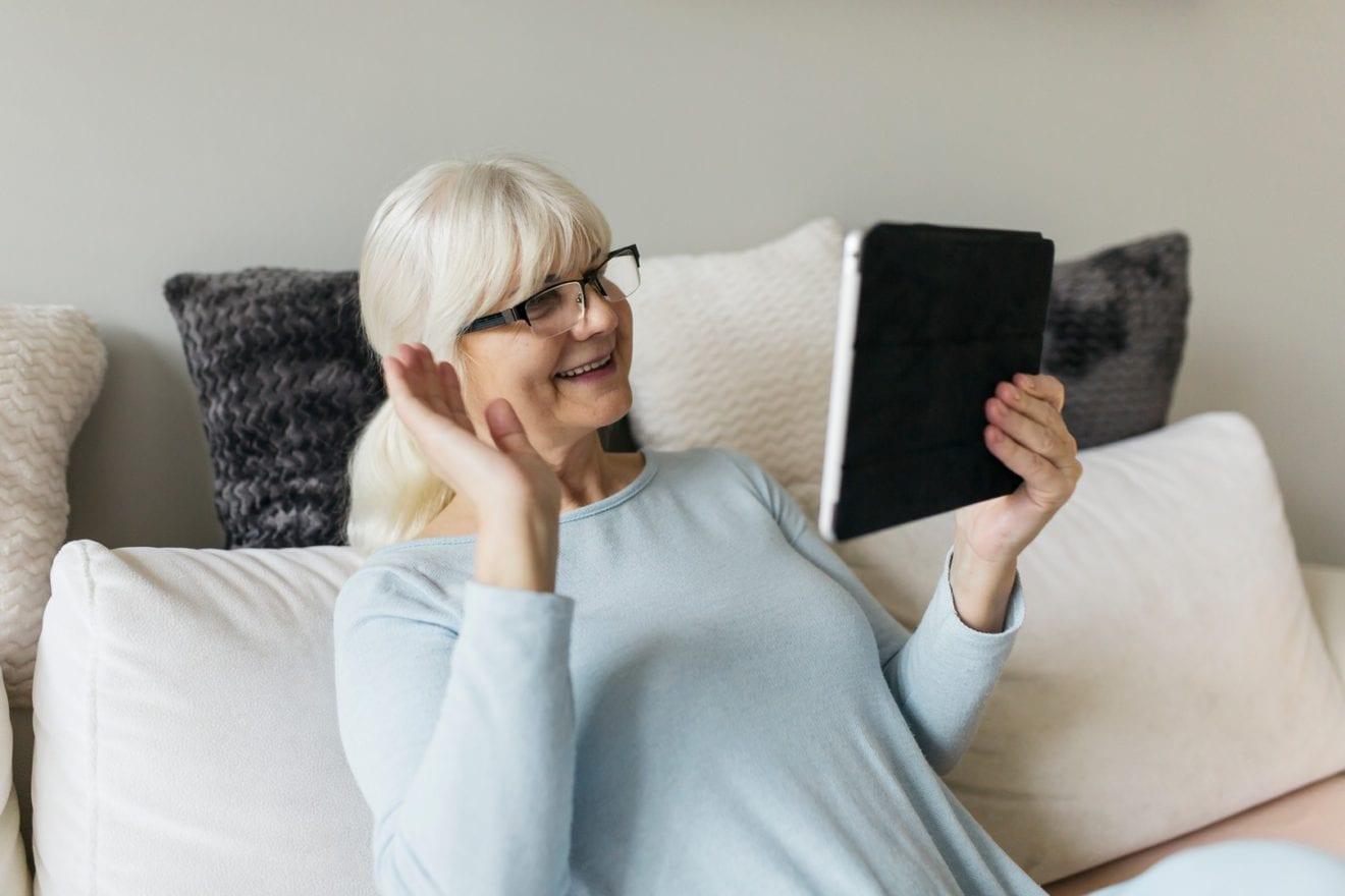 Ny digital besøgstjeneste skal give isolerede fællesskab